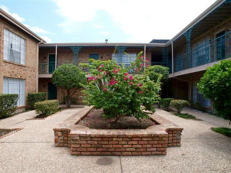 Tanglewood Place apartment